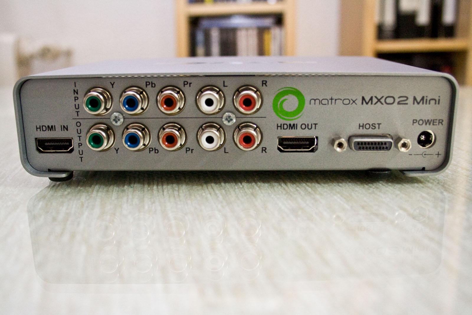 Parte trasera de la Matrox MXO2 Mini para realizar conexiones